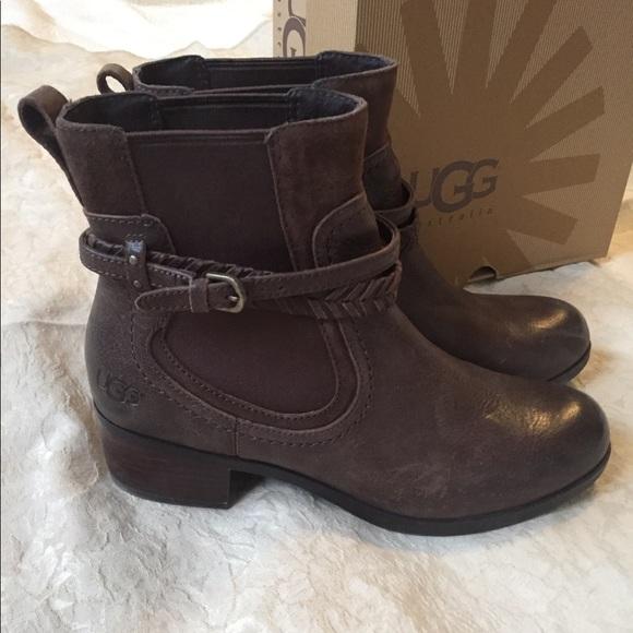 5fbdbbe1e77 Women's size 10 Ugg Krewe chocolate brown boots!
